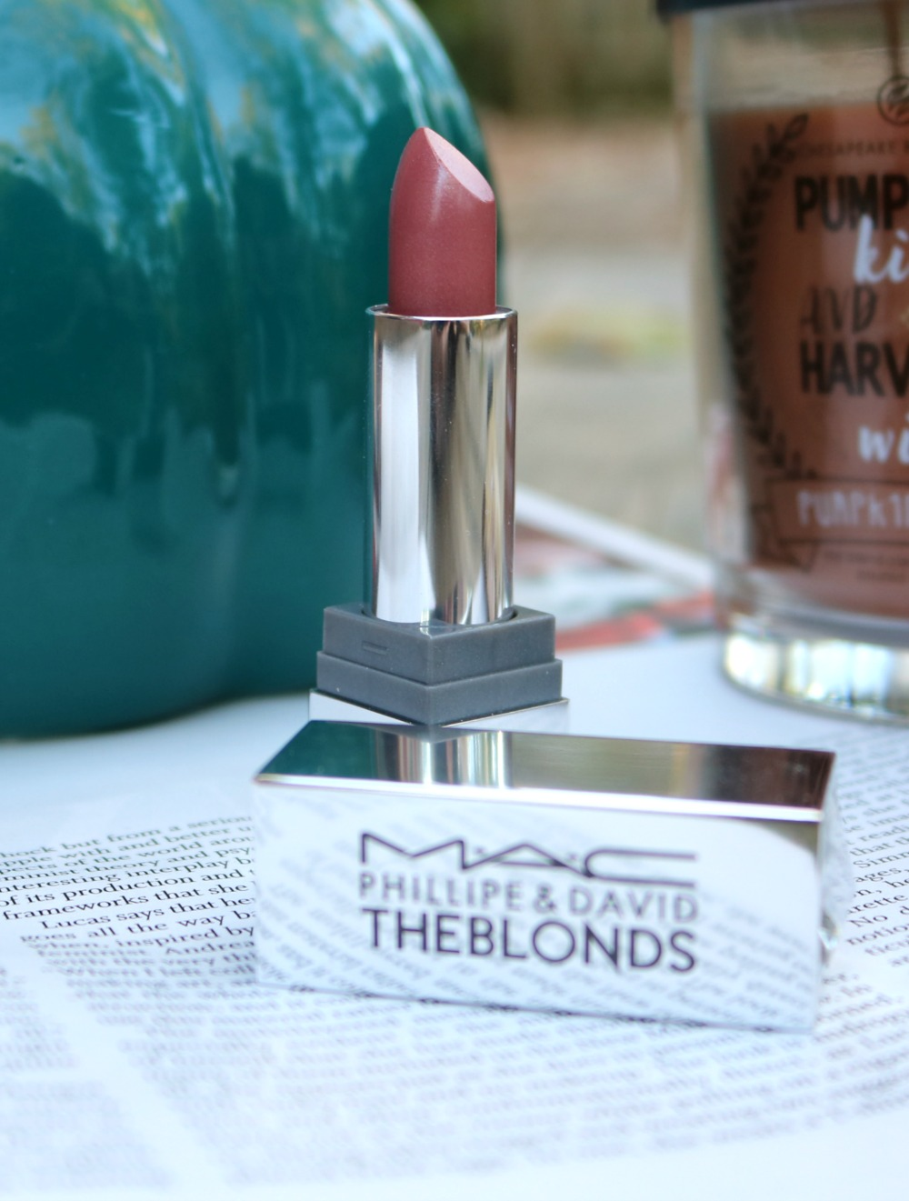 The Blonds Mac Lipstick in 'DavidBlond' I DreaminLace.com #Lipstick #Mac #Makeup