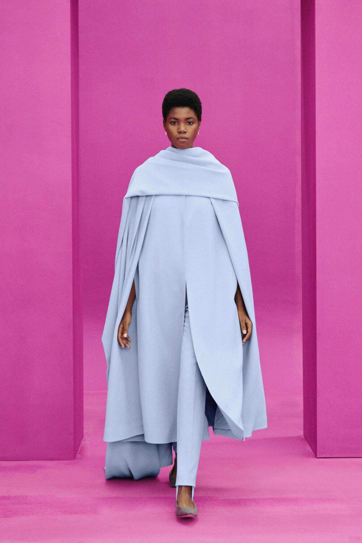 Best LFW Looks I Emilia Wickstead Fall 2021 Collection Cape #fashionblog #fashionable #womensfashion