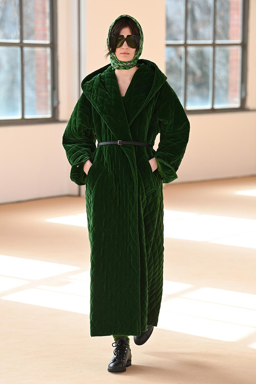 Best MFW Looks I Max Mara Fall 2021 Collection Runway #AlbertaFerretti #MilanFashionWeek #fashionblog #fashionstyle #outfitinspo