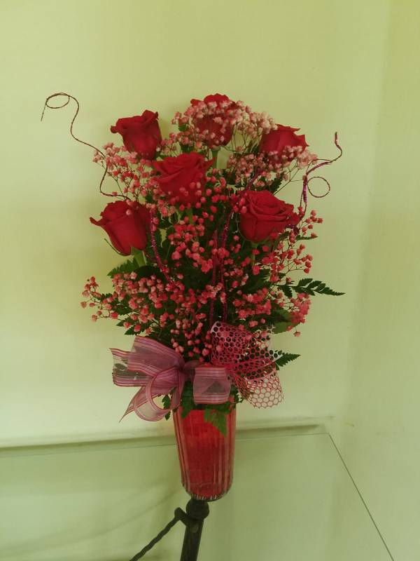 Dream Makers Florist Barbados Six Roses in a Vase