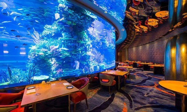 Al Mahara, Underwater Hotel Restaurant in Dubai.