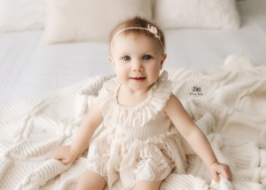 Caroline's 6 Month Milestone Session | Duluth, MN Family Photographer