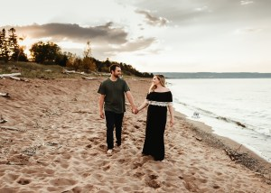 Moden Maternity Session | Duluth, MN Photographer