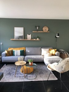 71 Inspiring Living Room Wall Decoration Ideas You Can Try 28