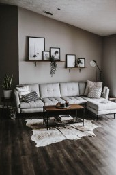 71 Inspiring Living Room Wall Decoration Ideas You Can Try 70
