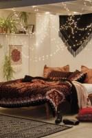 35 Romantic Bedroom Ideas 15