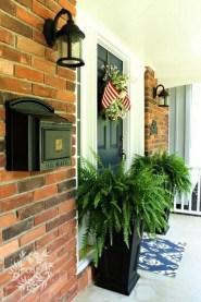 38 Farmhouse Style Front Porch Ideas 21