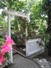 39 Inspired Garden Gates For A Beautiful Backyard 19