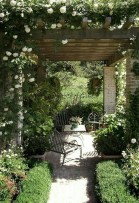 39 Inspired Garden Gates For A Beautiful Backyard 37