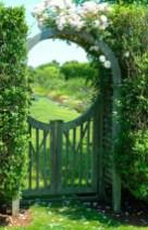 39 Inspired Garden Gates For A Beautiful Backyard 4