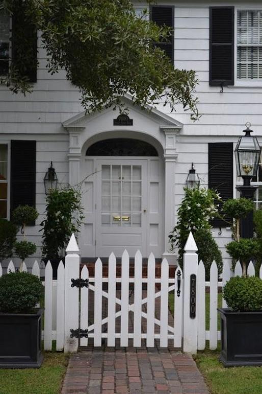 10 Gorgeous Garden Gate Home Decor 13