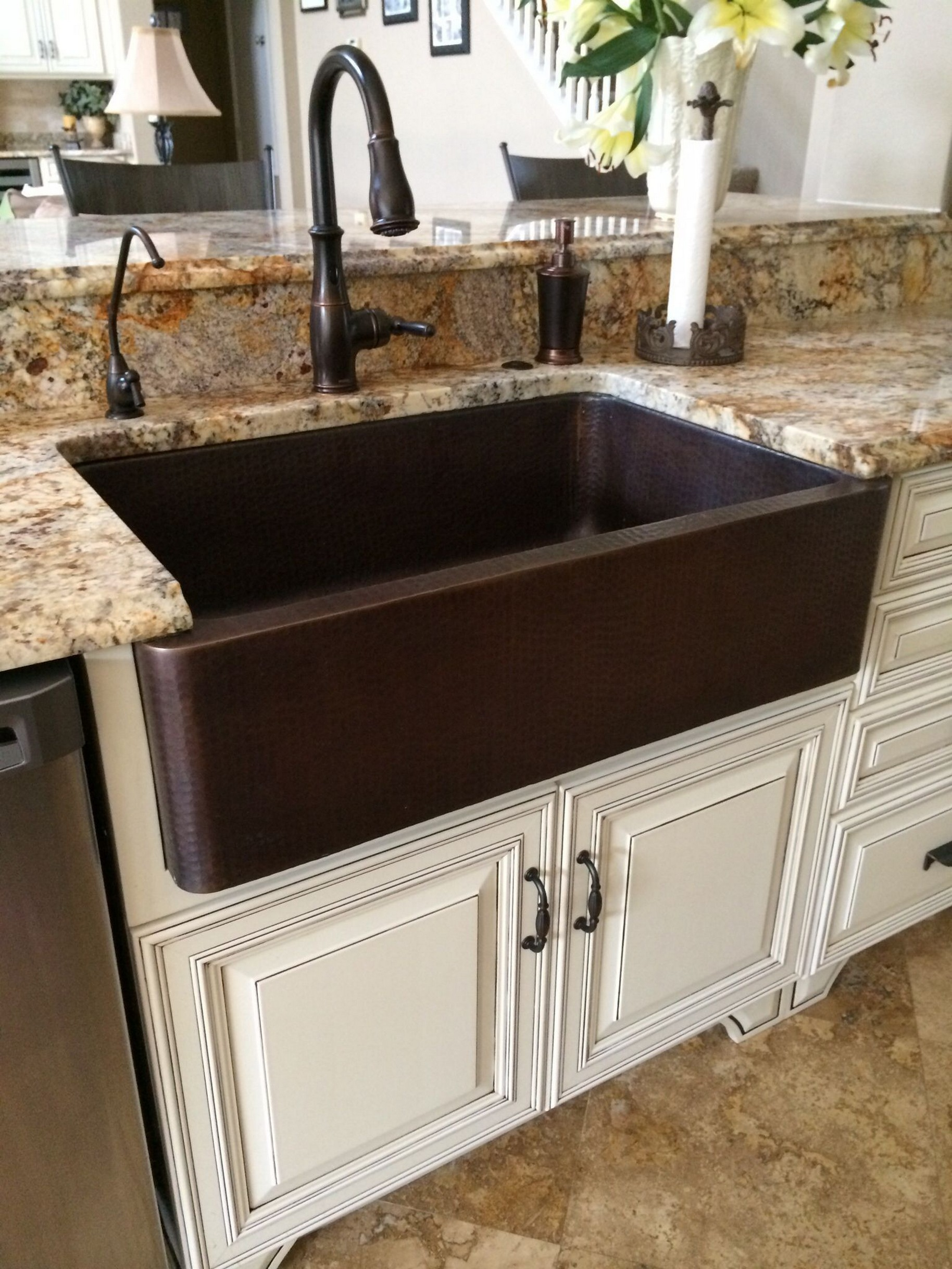 74 Things A Farmhouse Kitchen Sink Can Do For You Home Decor 12
