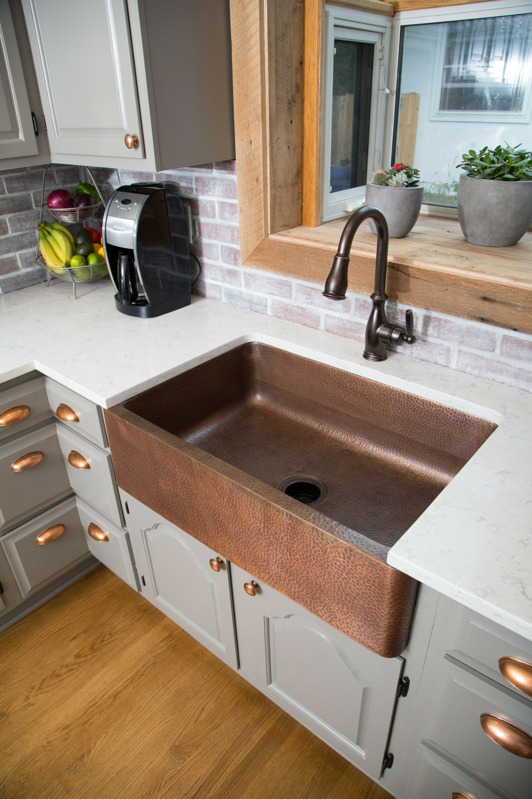 74 Things A Farmhouse Kitchen Sink Can Do For You Home Decor 51