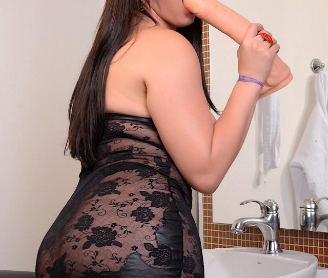 Sexy Tranny Girl Fernanda Lemos Masturbates