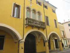 Portico lined Via Cesare Battisti Padova
