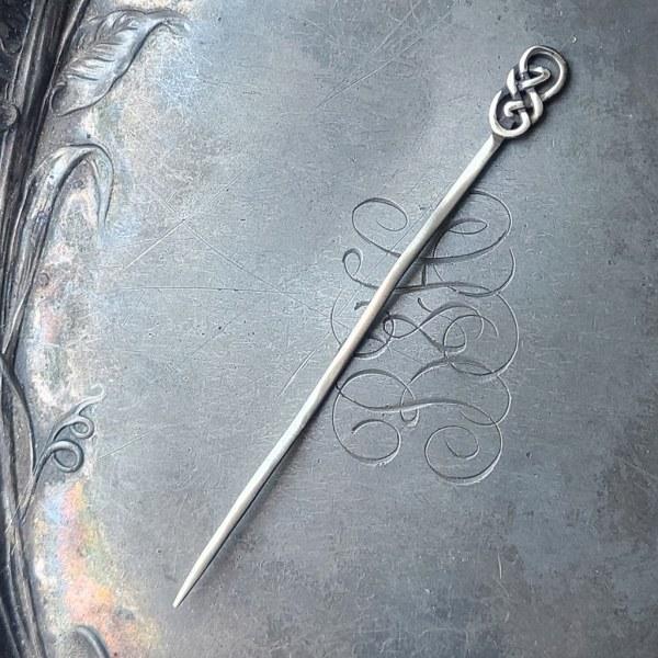 JUL Celtic Knot Lace Stick Pin, Dream Weaver Yarns LLC