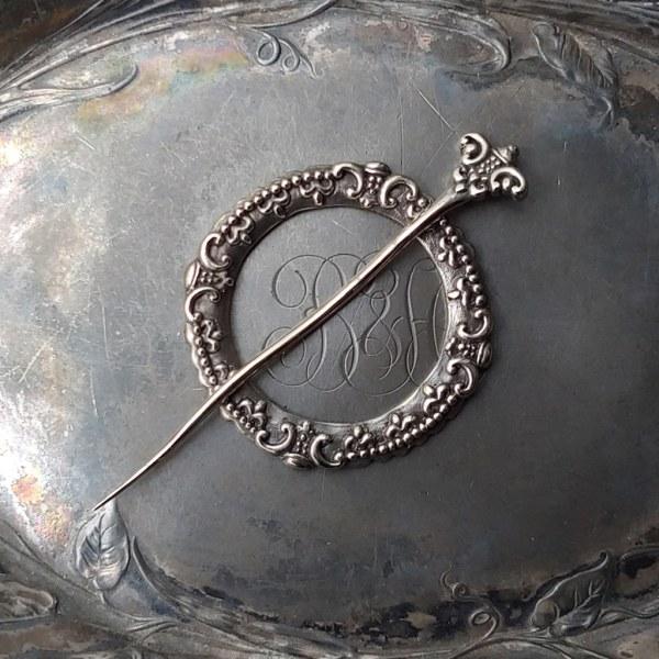JUL Fleur de Lis Shawl Pin, Dream Weaver Yarns LLC