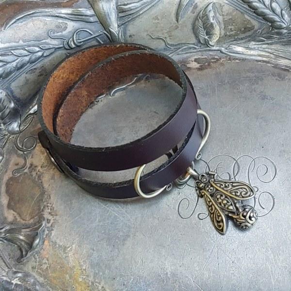 JUL Honeybee Oxbow Double-Wrap Charm Lock Cuff, Dream Weaver Yarns LLC