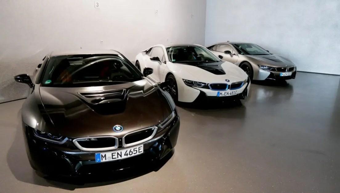BMW i8 Coupé warten auf die Testfahrer