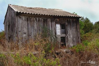 old wooden hut in Manzavinata