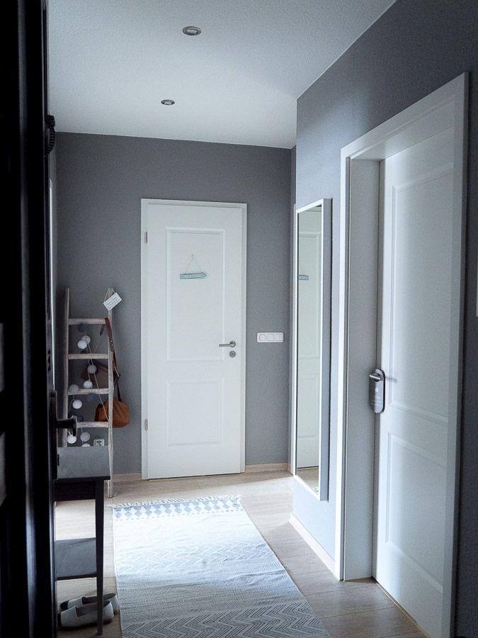 living warum du kleine r ume in dunklen farben streichen kannst. Black Bedroom Furniture Sets. Home Design Ideas