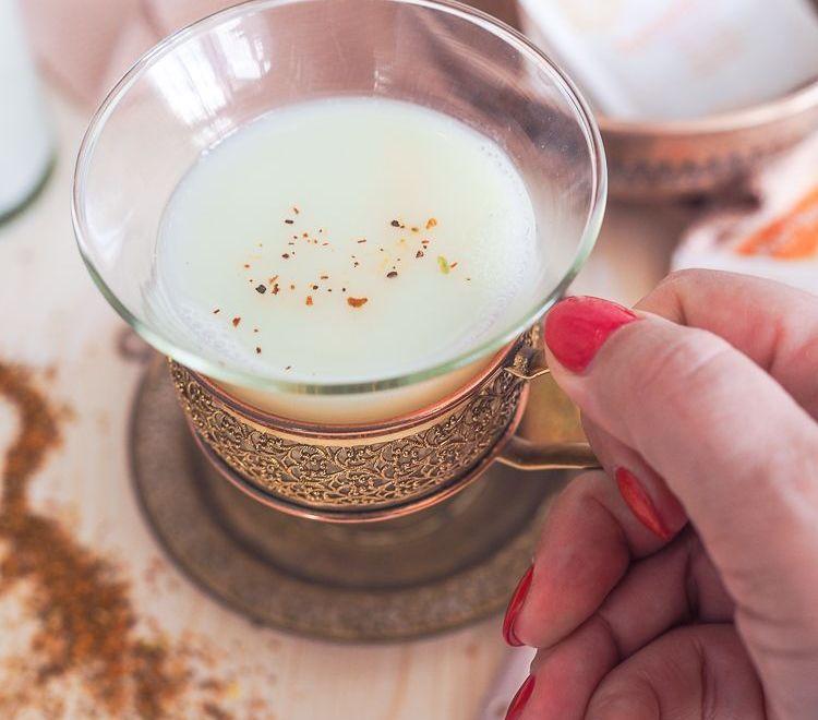 Mache mit bei der YOGI TEA #7minuteschallenge - 7 Minuten Challenge für Dich und Deinen Körper mit Kurkuma Chai von Yogi Tea