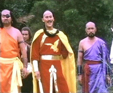Un gros Lama (Ching Kuo Chung) dans Shaolin Vs Lama