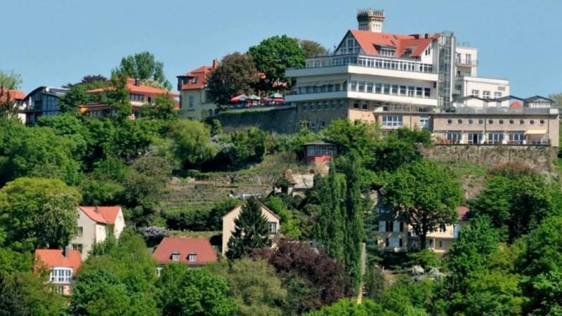 Standseilbahn mit Blick zur Gaststätte 'Luisenhof'