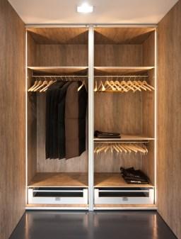 design vestiaire van kwalitatieve materialen zoals aluminium en volkern