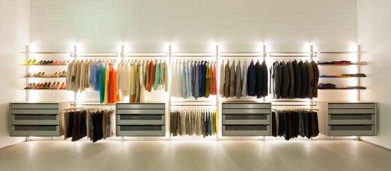 Moderne dressing op maat van het Belgische merk DRESSAWAY.