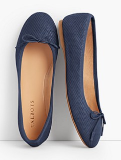 Rounded Toe Flats look cute and youthful