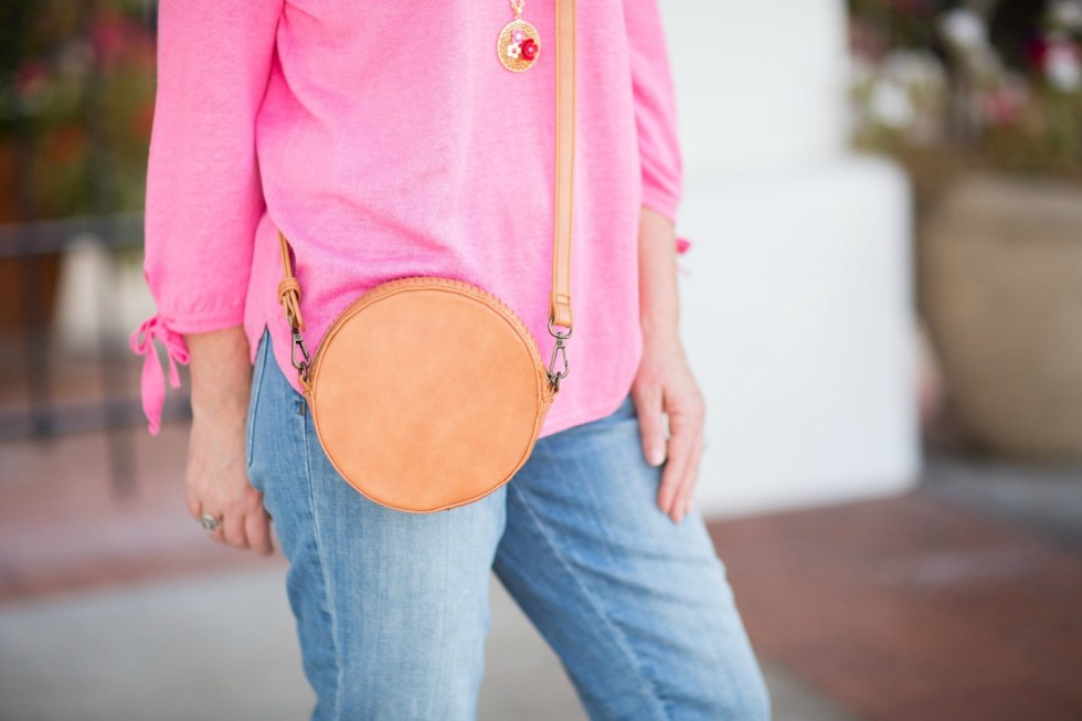 embroidered-girlfriend-jeans-round-purse