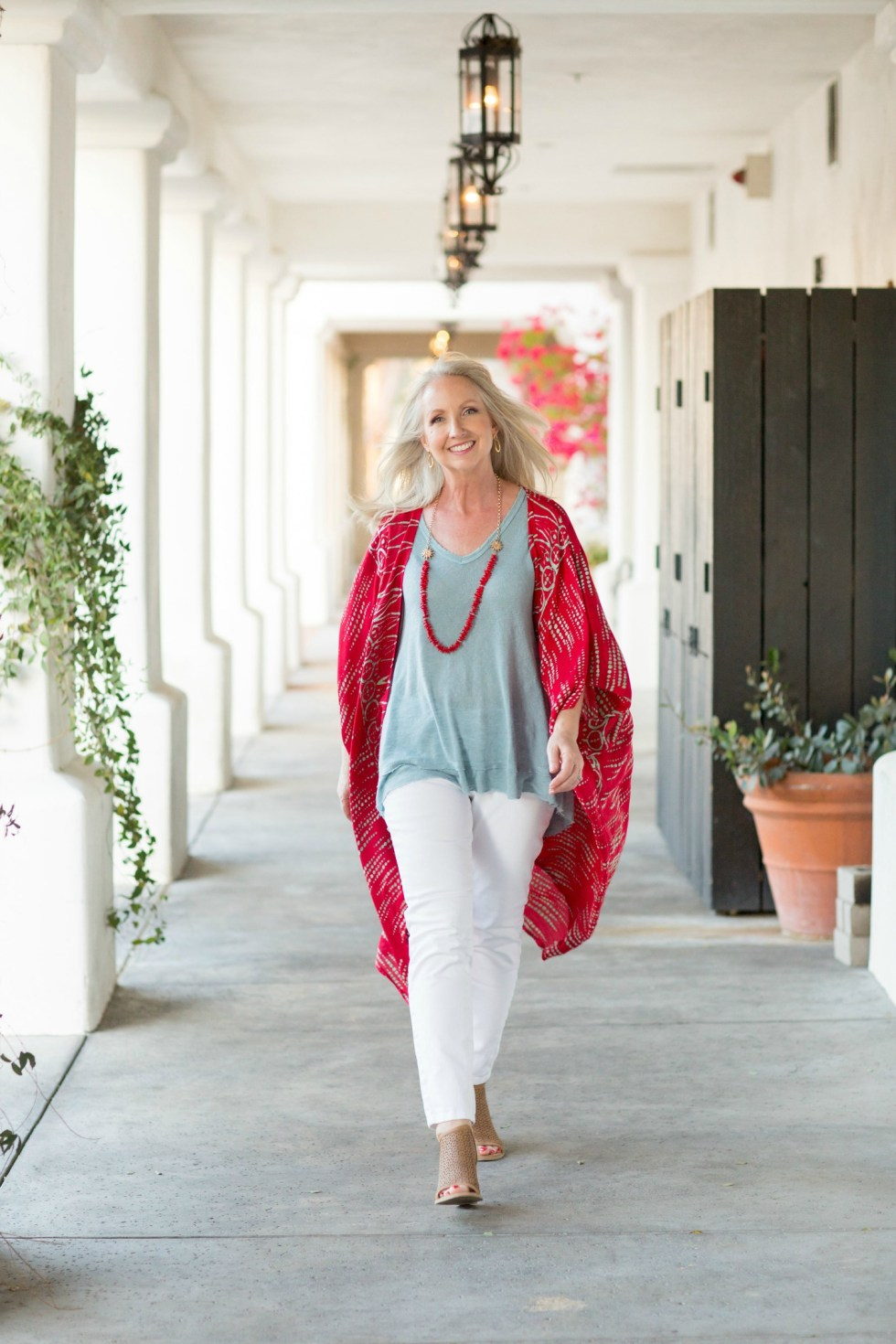 Kimono Red Aqua Top White Jeans