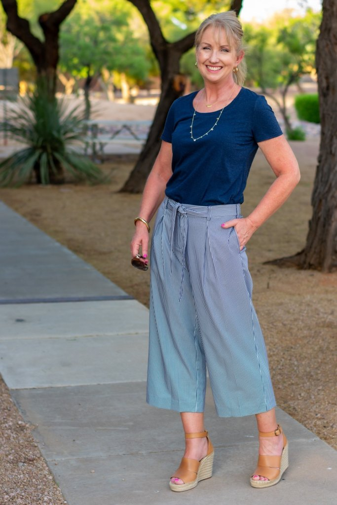 Casual Summer Work Style in Navy and White