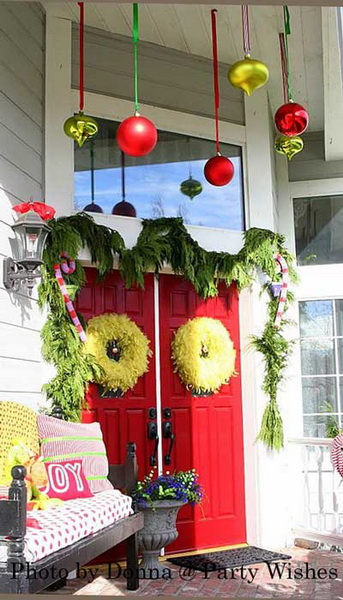 Christmas-Porch-Decorating-Ideas_10.jpg
