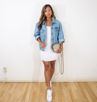 Denim jacket for women street style ideas (17)
