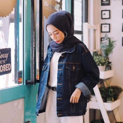 Denim jacket for women street style ideas (25)