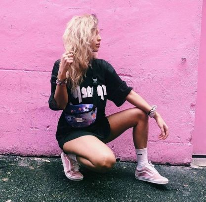 Fanny Pack? This 90s Throwback Is Very Much In Style Again With Fashionistas Rocking It Left, Right, And Center #fannypack