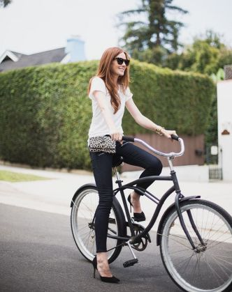 Couldihavethat.com Fashion Blogger Samantha Hutchinson In Hipsters For Sisters Cheetah Flat #beltbag #fannypack