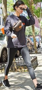 Dailymail.co.uk Kendal Jenner With Louis Vuitton Fannypack. ETOILE LUXURY VINTAGE. A New Way To Wear A Fanny Pack: The Catwalker Slung Her LV Bag Over Her Shoulder And Around Her Neck