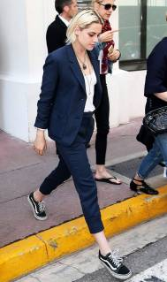 Kristen Stewart in a Gorgeous Fashion - 027 | Fashion DressFitMe