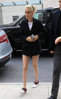 Kristen Stewart in a Gorgeous Fashion - 043 | Fashion DressFitMe