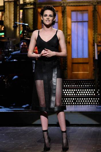 Kristen Stewart in a Gorgeous Fashion - 046 | Fashion DressFitMe