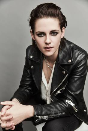 Kristen Stewart in a Gorgeous Fashion - 066 | Fashion DressFitMe