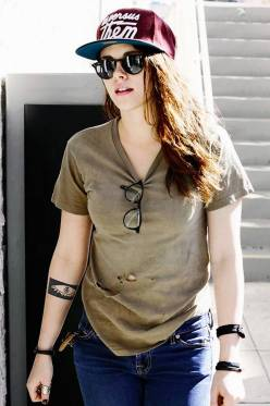 Kristen Stewart in a Gorgeous Fashion - 085 | Fashion DressFitMe