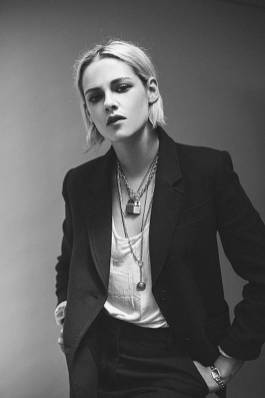 Kristen Stewart in a Gorgeous Fashion - 151 | Fashion DressFitMe