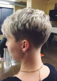 Pixie haircuts for women (49)