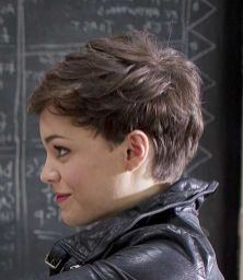 Pixie haircuts for women (60)