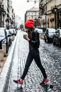 Rainy day cold weather outfit (26)