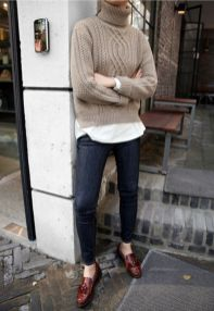 Rainy day cold weather outfit (36)